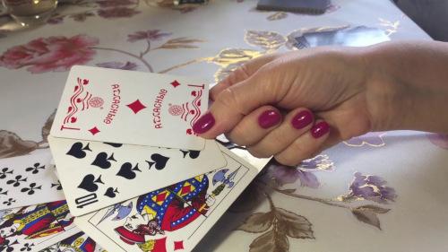Онлайн гадание на игральных картах «Что на сердце у любимого»